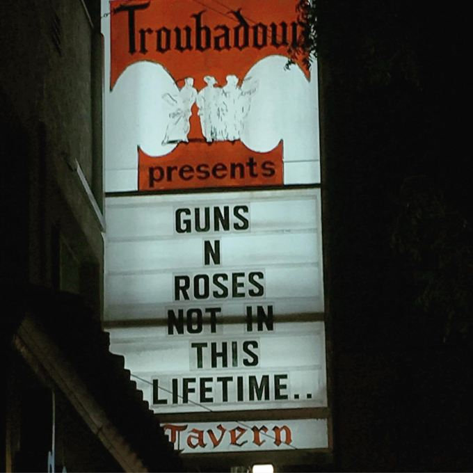 guns-n-roses-not-in-this-lifetime-troubador-west-hollywood-california-2016-troubador